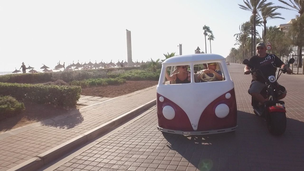 Deutsche machen am liebsten All-inclusive-Urlaub. Und wo? Natürlich auf Mallorca. Deshalb verschlägt es uns heute auf die Lieblingsinsel der Deutsch... - Bildquelle: kabel eins