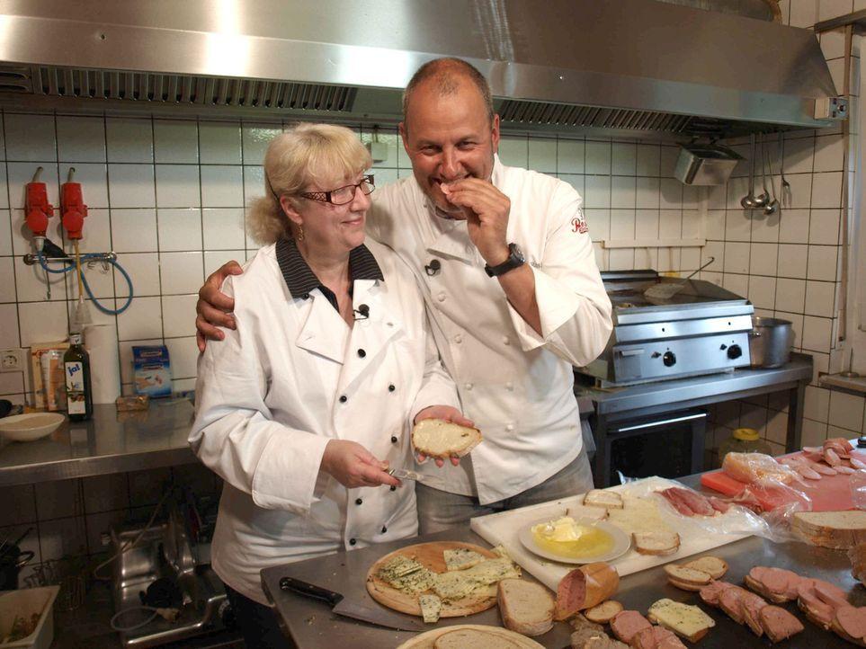 Vor einem Jahr erfüllte sich Monika Koop den Traum vom eigenen Restaurant, aber einige Probleme sorgen für ein ungepflegtes Restaurant und ungenießb... - Bildquelle: kabel eins