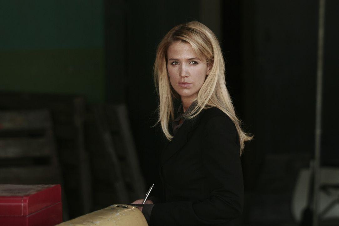 Samantha (Poppy Montgomery) will einen neuen Fall lösen ... - Bildquelle: Warner Bros. Entertainment Inc.