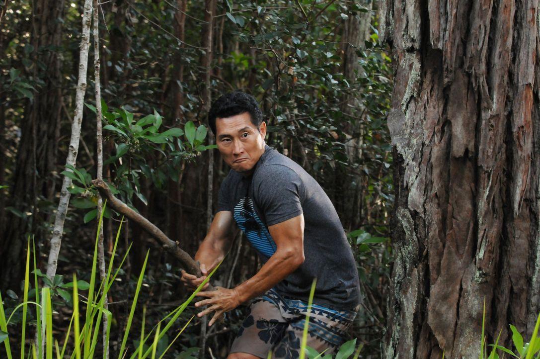 Gemeinsam mit Kono gerät Chin (Daniel Dae Kim) in große Gefahr. Doch können sie sich retten? - Bildquelle: Norman Shapiro 2015 CBS Broadcasting, Inc. All Rights Reserved