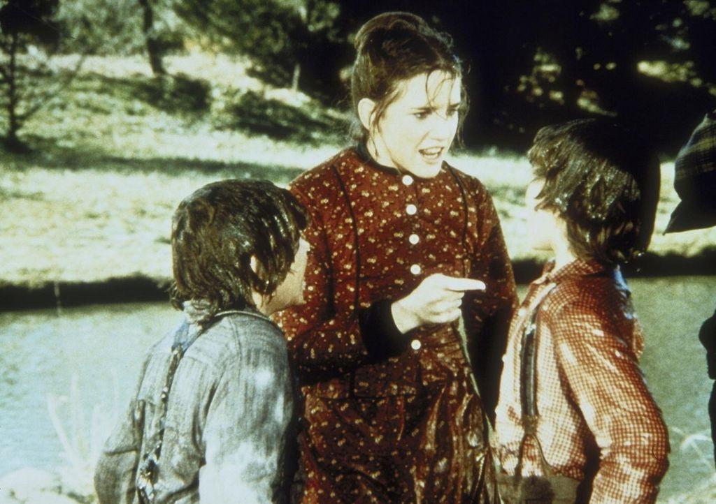 """Laura (Melissa Gilbert, M.) nimmt Myron (Ham Larson, l.) und Rupert (Rossie Harris, r.) ins """"Gebet"""". - Bildquelle: Worldvision"""