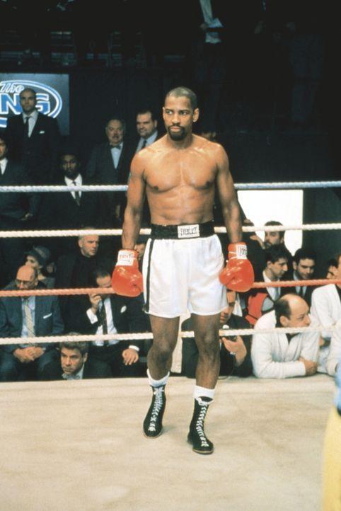 """Im Ring ist Rubin """"Hurricane"""" Carter (Denzel Washington) unbesiegbar - im Gerichtssaal leider nicht ... - Bildquelle: BEACOM"""