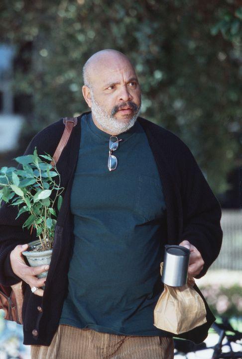 Professor Shifflin (James Avery) ahnt nicht, dass ungeheuerliche Dinge an der River Heights University geschehen ... - Bildquelle: Buena Vista Television