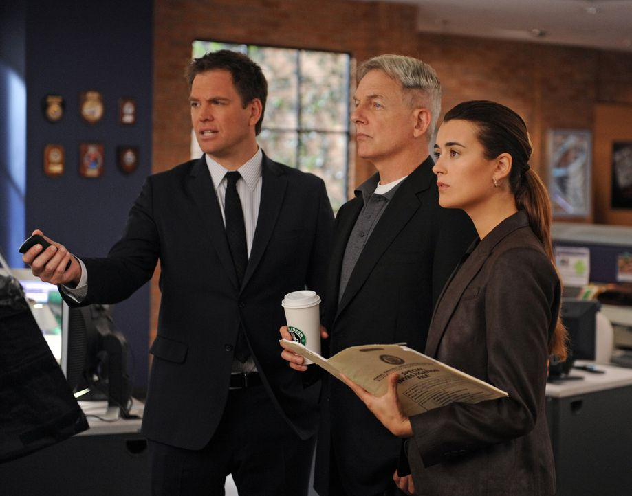 Ein neuer Mordfall wartet auf Tony (Michael Weatherly, l.), Gibbs (Mark Harmon, M.) und Ziva (Cote de Pablo, r.) ... - Bildquelle: CBS Television