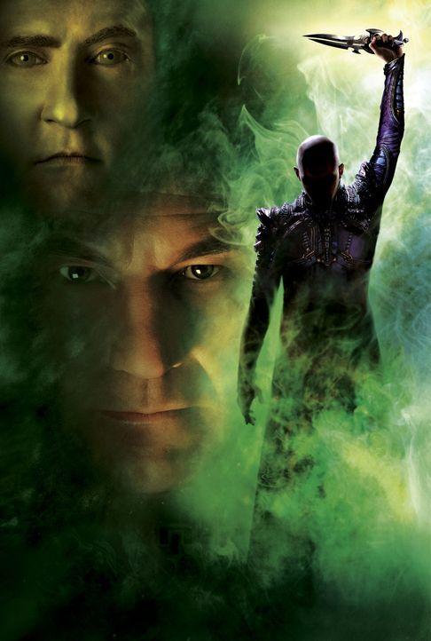 Im Kampf gegen das Böse (Tom Hardy, r.): Picard (Patrick Stewart, M.) und Data (Brent Spiner, l.) ... - Bildquelle: Paramount Pictures