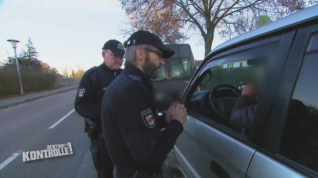 Achtung Kontrolle - Achtung Kontrolle! - Thema U.a: Handykontrollen - Polizei Neubrandenburg
