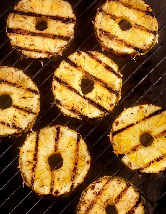 Gegrillte Ananas - Bildquelle: Lauri Patterson