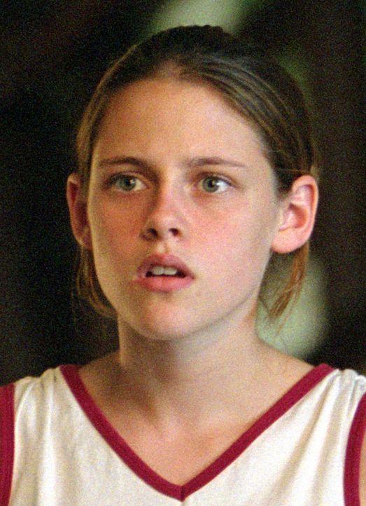 Als ihre Eltern aufs Land ziehen, glaubt Kristen (Kristen Stewart), dass sie von nun an ein ziemlich langweiliges Leben führen wird. Aber es kommt... - Bildquelle: Buena Vista Pictures Distribution. All Rights Reserved.