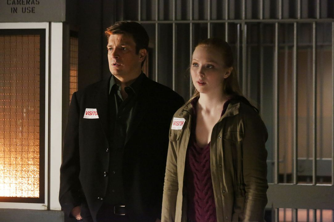 Alexis (Molly C. Quinn, r.) hofft auf die Hilfe ihres Vaters (Nathan Fillion, l.). Sie will beweisen, dass Frank Henson, der in der Todeszelle sitzt... - Bildquelle: 2013 American Broadcasting Companies, Inc. All rights reserved.