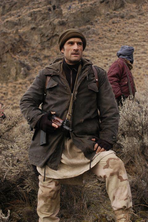 DEA-Agent Mike McKay (Elias Koteas) findet Hinweise daruf, dass sein Land in ernsthafter Gefahr ist ... - Bildquelle: Universal Studios