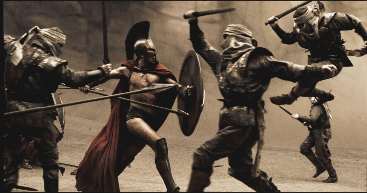 In einer engen Felsschlucht der Thermopylen versuchen die Spartaner (Vincent Regan, 2v.l.) mit einer Handvoll Verbündeter, der zahlenmäßigen Überleg... - Bildquelle: TM & © Warner Bros. Entertainment Inc.
