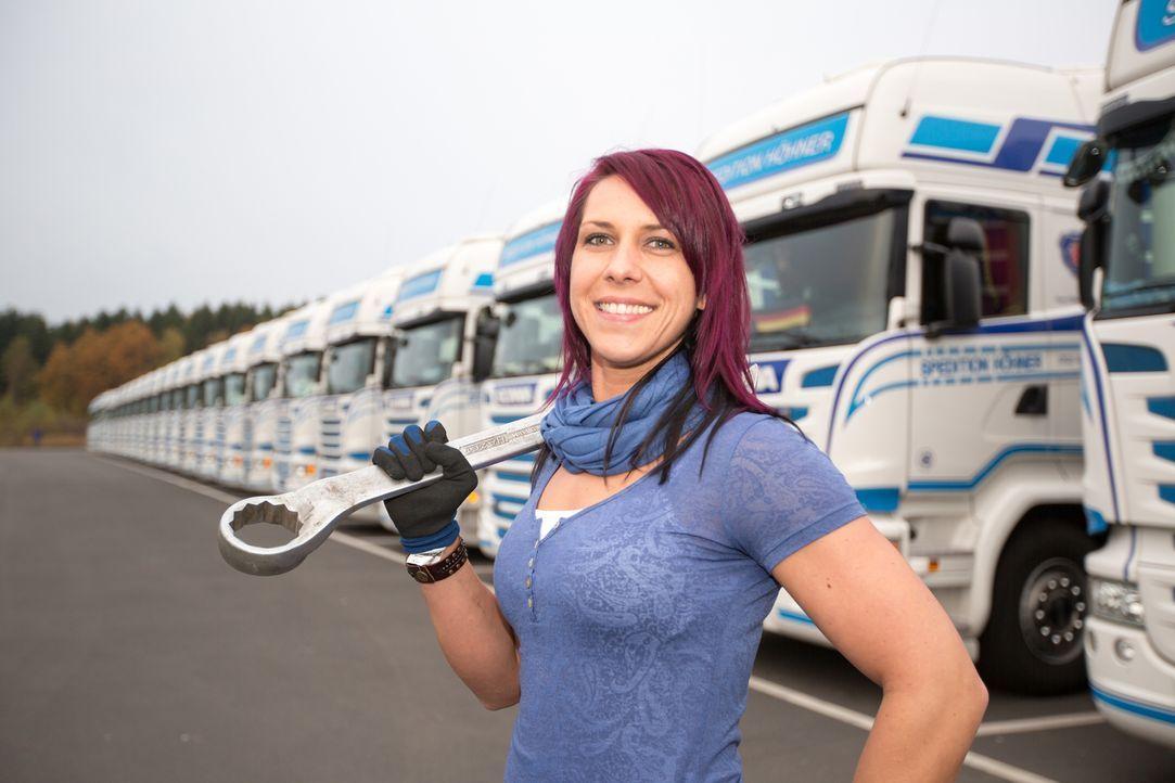 Katrin fährt noch nicht lange LKW, aber da alle Männer in ihrer Familie Trucker sind, ist sie mit dem Beruf bereits aufgewachsen. Kann sie dem Druck... - Bildquelle: kabel eins