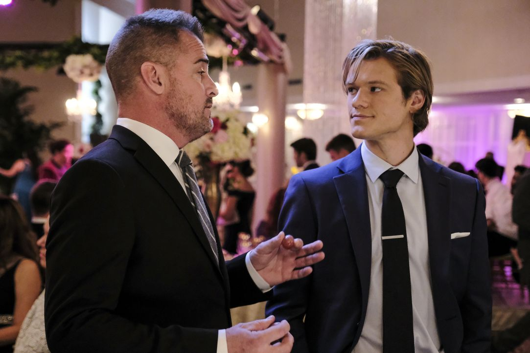 Jack Dalton (George Eads, l.); MacGyver (Lucas Till, r.) - Bildquelle: Guy D'Alema 2018 CBS Broadcasting, Inc. All Rights Reserved / Guy D'Alema