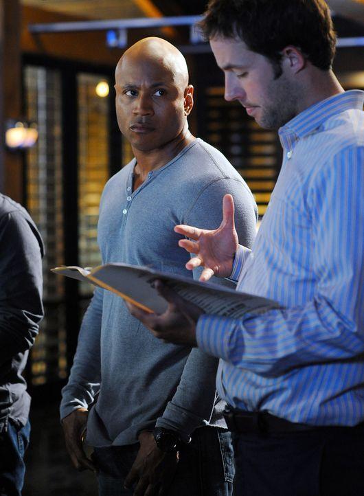 Das Team um Sam (LL Cool J, l.) und Nate (Peter Cambor, r.) geben alles, um einen neuen Mordfall aufzudecken ... - Bildquelle: CBS Studios Inc. All Rights Reserved.
