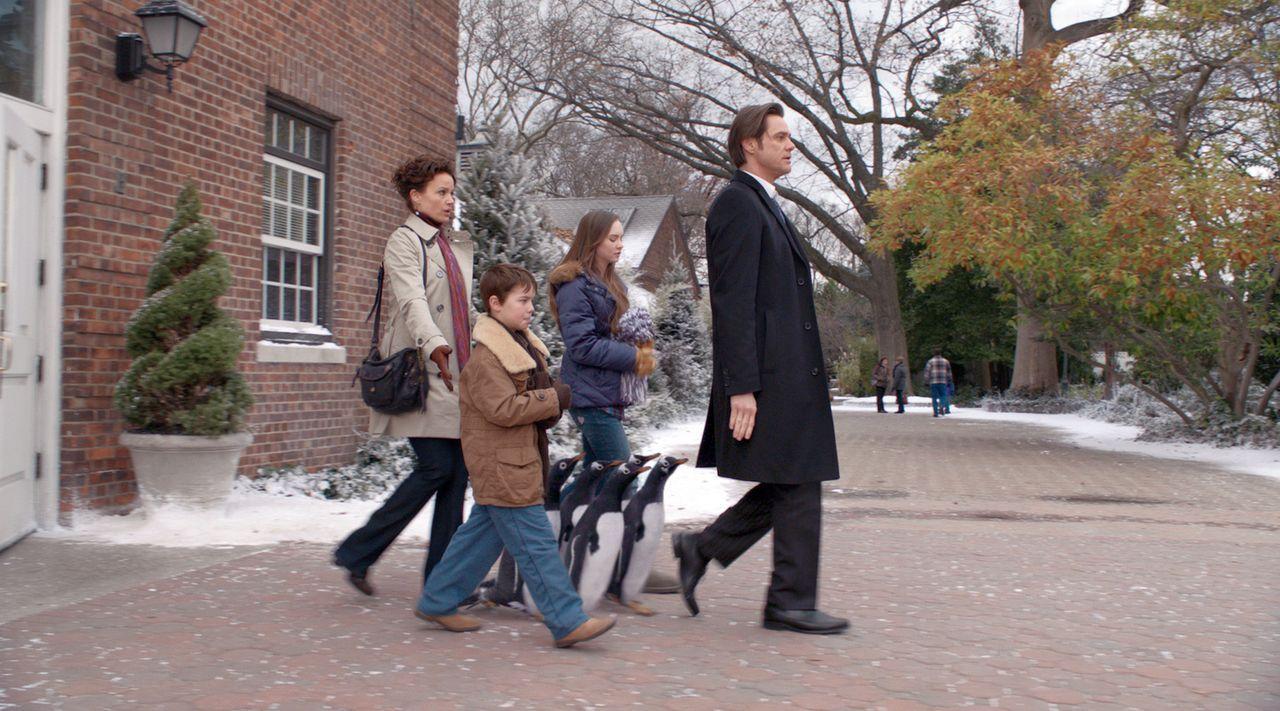 Für Tom Popper (Jim Carrey, r.) braucht es nicht viel im Leben, um glücklich zu sein. Eigentlich nur eines: beruflicher Erfolg. Dafür vernachlässigt... - Bildquelle: 2011 Twentieth Century Fox Film Corporation. All rights reserved.
