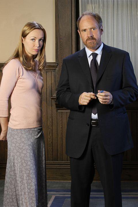Philip Rothman (Will Patton, r.) ahnt nicht, dass er Nadine Devereaux (Kathleen Wilhoite, l.) einen wirklich schlechten Rat gibt ... - Bildquelle: 2004 Sony Pictures Television Inc. All Rights Reserved.