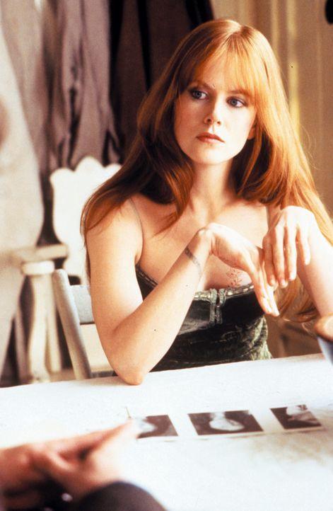 Während ihre Schwester Sally wegen des Fluchs die Hexerei an den Nagel hängt, setzt die kokette Gillian (Nicole Kidman) ihre Macht bedenkenlos ein... - Bildquelle: Warner Brothers