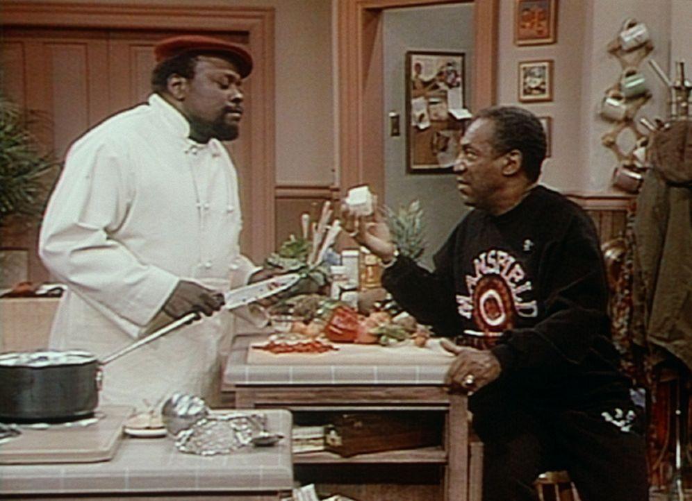 Cliff (Bill Cosby, r.) teilt ganz und gar nicht Mr. Atkins Vorliebe für Tofu. - Bildquelle: Viacom