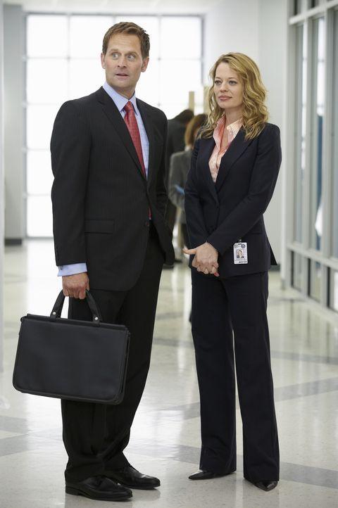 Was haben Megans Ex-Mann Todd Fleming (Jeffrey Nordling, l.) und Kate Murphy (Jeri Ryan, r.) miteinander zu tun? - Bildquelle: ABC Studios