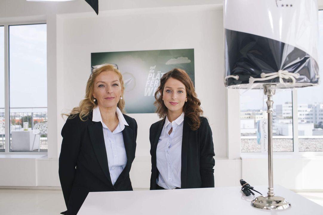 Möchte in Norwegen einen Laden mit Lampenschirmen und Bildern eröffnen: Janina (l.) mit ihrer Tochter Elisa (r.). Doch was sagt die Jury zu dieser I... - Bildquelle: Stefan Hobmaier kabel eins