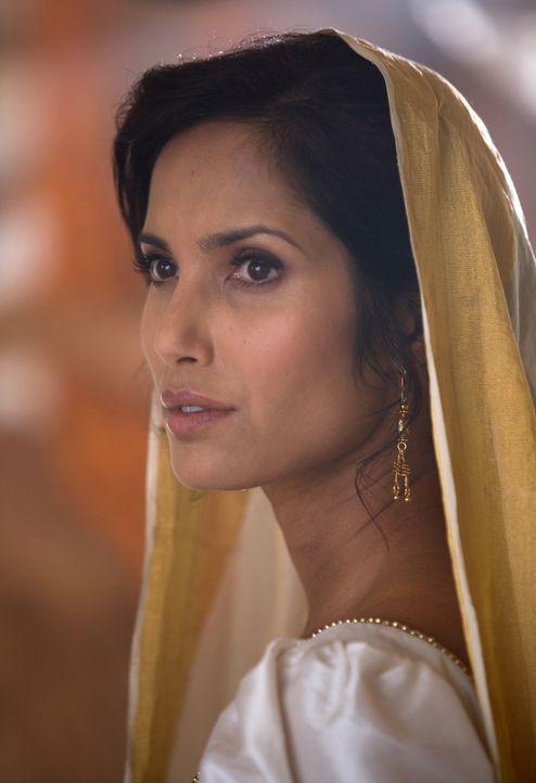 Eines Tages verliebt sich die hintertriebene Madhuvanthi (Padma Lakshmi) ausgerechnet in Richard Sharpe, ihren Gegner ... - Bildquelle: Copyright BBC 2006