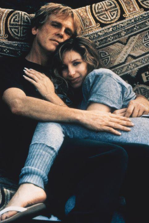 Susan (Barbara Streisand, r.) und Tom (Nick Nolte, l.) geben sich gegenseitig die Kraft, die sie brauchen, um die schrecklichen Ereignisse der Verga... - Bildquelle: Columbia Pictures