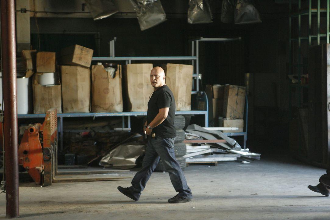 Nach einem unerwarteten Mord muss Mackey (Michael Chiklis) selber um sein Leben bangen ... - Bildquelle: 2007 Twentieth Century Fox Film Corporation. All Rights Reserved.