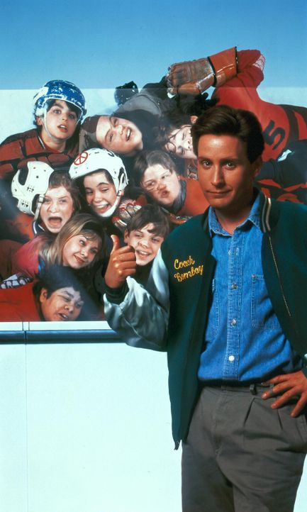 Das beliebte, aber auch berüchtigte Chaotenteam der Mighty Ducks hat einen neuen Trainer: Gordon Bombay (Emilio Estevez) ... - Bildquelle: Walt Disney Pictures