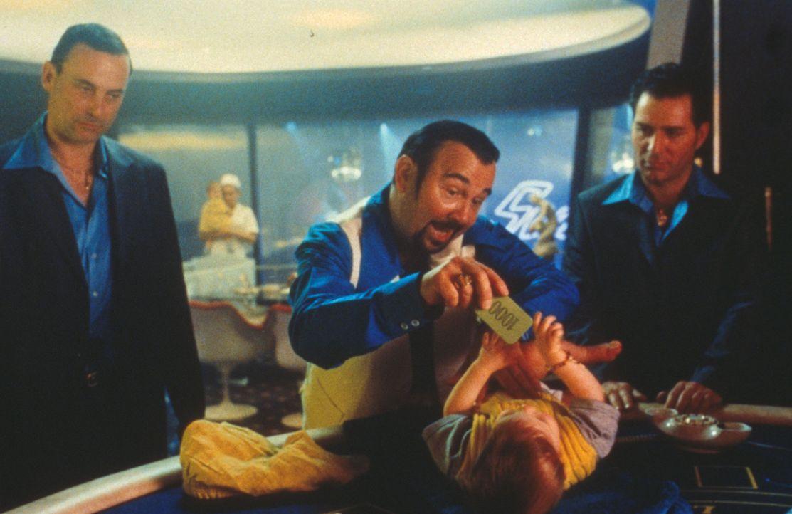 Gangsterboss Carlito (Gérard Jugnot, M.) vergibt den Auftrag, von dem alle leichtgläubigen Ganoven träumen: vier Millionen für einen schnellen,...