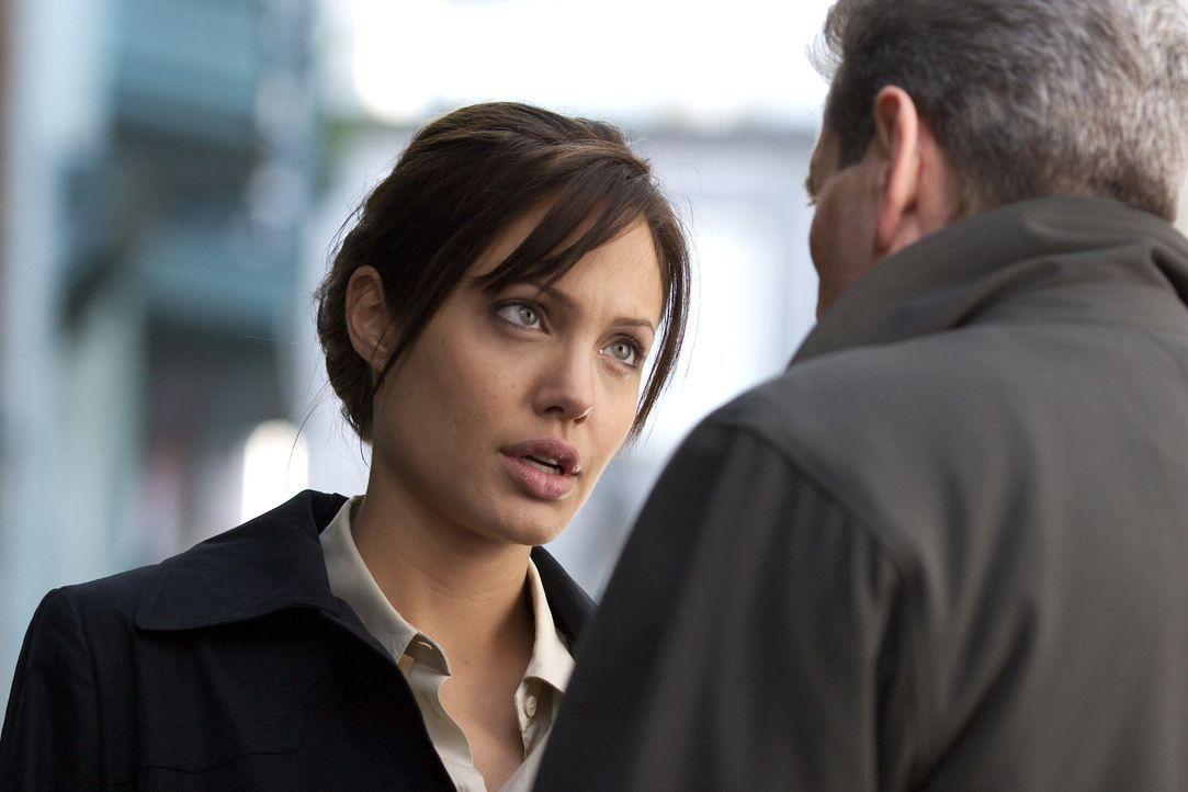 Special Agent Illeana Scott (Angelina Jolie) zählt zu den Top-Profilern des FBI, weil sie sich nie auf die üblichen Fahndungsmethoden verlässt, wenn... - Bildquelle: Warner Bros.