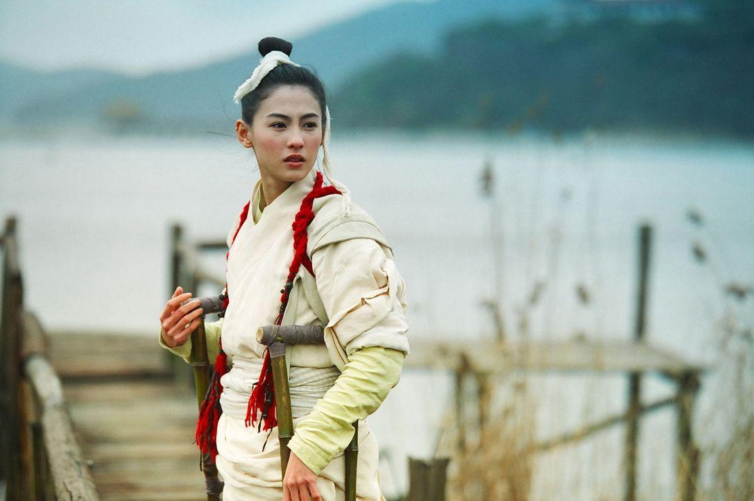 Ihre neu gewonnen Kräfte setzt White Dragon (Cecilia Cheung) ein, um gute Taten zu vollbringen ... - Bildquelle: 2004 China Star Worldwide Distribution B.V. All Rights Reserved.