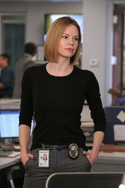 Das Team um Janice (Mariana Klaveno) muss eine Verbindung zwischen zwei Fällen suchen. Doch werden sie den Stalker stoppen können, bevor er erneut z... - Bildquelle: Warner Bros. Entertainment, Inc.