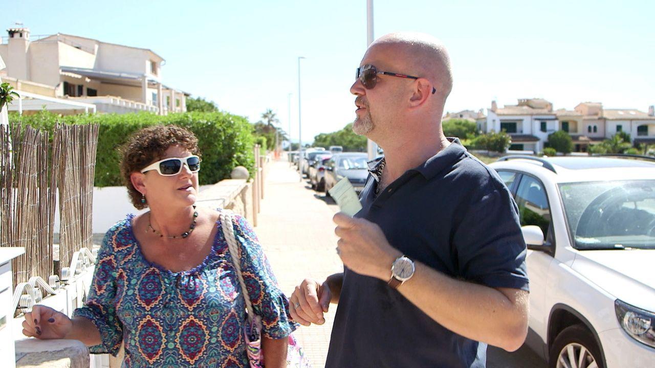 Peter Giesel (r.) trifft Deutsche, die im Urlaub übers Ohr gehauen wurden oder gerade mitten im schlimmsten Urlaub ihres Lebens stecken. Mit seinem... - Bildquelle: kabel eins