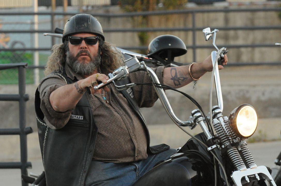 Wird Clays Angebot Bobbys (Mark Boone Junior) Entscheidung für oder gegen den Deal beeinflussen? - Bildquelle: 2011 Twentieth Century Fox Film Corporation and Bluebush Productions, LLC. All rights reserved.