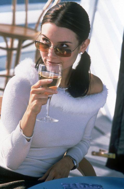 Cassidy (Kristina Anapau) ist die Drahtzieherin in dem Intrigenspiel rund um Sex und Macht. Sie ahnt nicht, dass ihr die Zügel nach und nach entgle... - Bildquelle: Copyright    2004 Cruel III Productions, LLC. All Rights Reserved.