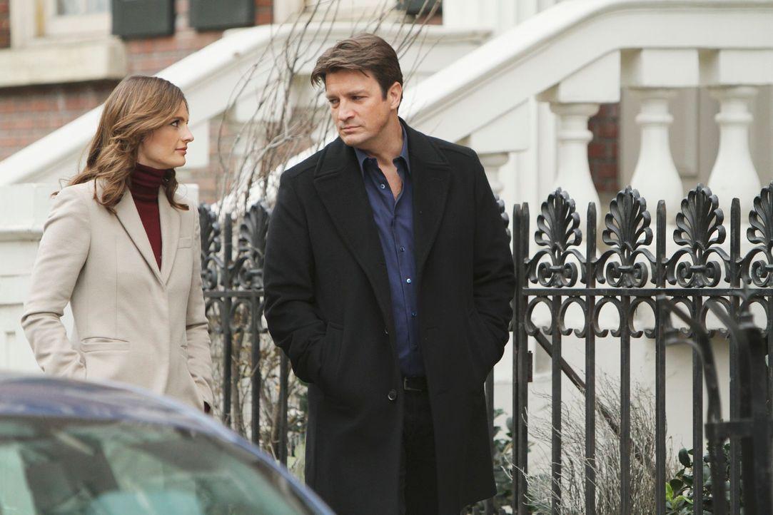 Ermitteln gemeinsam in einem neuen Fall: Richard Castle (Nathan Fillion, r.) und Kate Beckett (Stana Katic, l.) ... - Bildquelle: ABC Studios