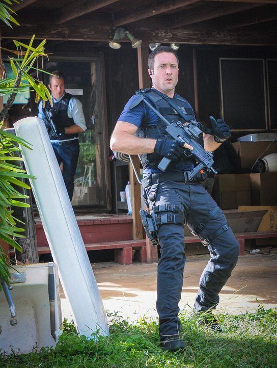Ein neuer Fall wartet auf Danny (Scott Caan, r.) und Steve (Alex O'Loughlin, l.) ... - Bildquelle: Norman Shapiro 2014 CBS Broadcasting Inc. All Rights Reserved.