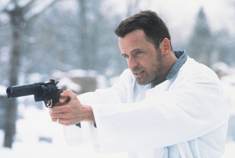 Nach monatelangem brutalen und nervenaufreibenden Trainingsprogramm wird Annibal Ramirez (Aidan Quinn) auf den gnadenlosen Terroristen Carlos losgel... - Bildquelle: Sony Pictures Entertainment