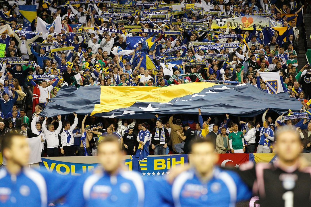 Fussball-Fans-Bosnien-Herzegowina-110210-getty-AFP - Bildquelle: getty-AFP