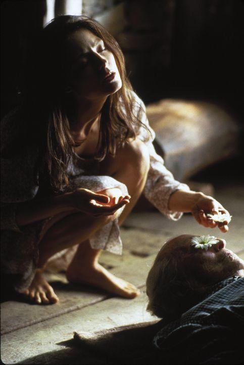 Als Landarzt Dr. Jerome Lovell die fern der Zivilisation aufgewachsene Nell (Jodie Foster) entdeckt, spricht diese ihre eigene, unverständliche Spr... - Bildquelle: 1994 TWENTIETH CENTURY FOX FILM CORPORATION All Rights Reserved.