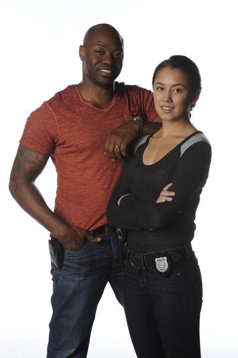 (2. Staffel) - Detective Elizabeth Liette (Luisa D'Oliveira, r.) hat meist Erfolg im Kampf gegen das Verbrechen - dabei stets eine große Stütze ist... - Bildquelle: CBC 2013