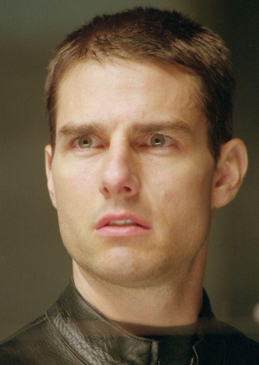 In einem gnadenlosen Wettlauf mit der Zeit muss Pre-crime-Cop John Anderton (Tom Cruise) beweisen, dass er kein Mörder werden wird ... - Bildquelle: 2002 Dreamworks LLC & 20th Century Fox Film Corp. All Rights Reserved