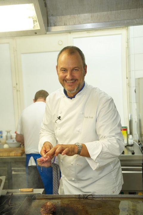 Frank Rosin will heute einem 200 Jahre alten Restaurant zu modernem Charme und einer vollen Kasse verhelfen. - Bildquelle: Walter Wehner kabel eins