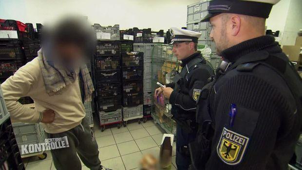 Achtung Kontrolle - Achtung Kontrolle! - Thema U.a.: Lebenslanges Hausverbot - Bundespolizei Hamburg