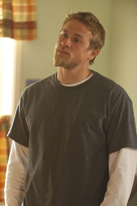 Eigentlich wollte Jax (Charlie Hunnam) seine Verlobte lediglich zu einer Konferenz begleiten, doch dann kommt alles anders ... - Bildquelle: 2011 Twentieth Century Fox Film Corporation and Bluebush Productions, LLC. All rights reserved.