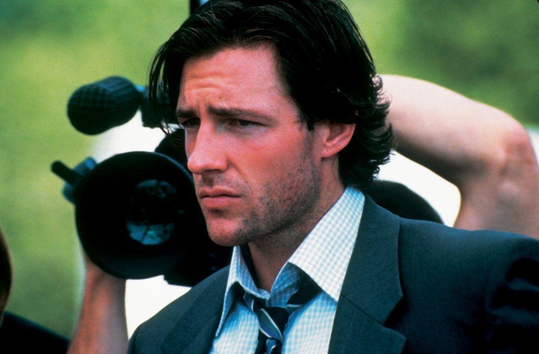 Zwei verkohlte Leichen bringen den Chefermittler der New Yorker Mordkommission Frank Beetle mit dem jungen Brandexperten Fire Marshall Jordy Warsaw... - Bildquelle: New Line Cinema