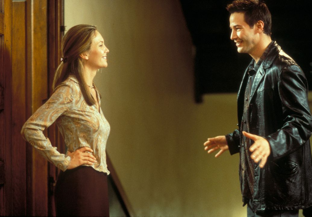 Zum ersten Mal in seinem Leben beginnt Conor (Keanu Reeves, r.) Verantwortung zu übernehmen, und sogar die Lehrerin der Kinder, Ms. Wilkes (Diane L... - Bildquelle: Paramount Pictures