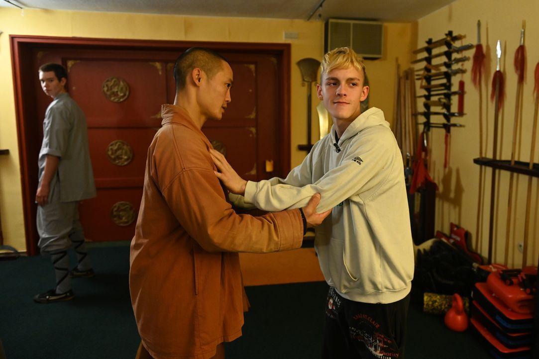 Shi Heng Yi, l.; Justin, r. - Bildquelle: Ben Pakalski Kabel Eins / Ben Pakalski