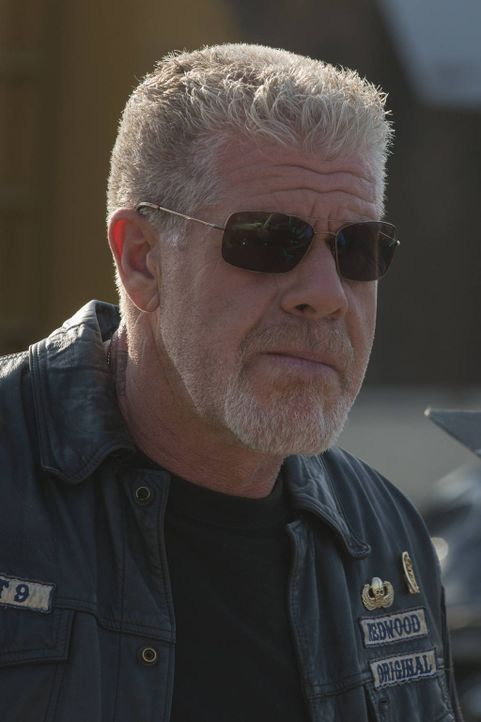 Was plant Clay (Ron Perlman) wirklich? - Bildquelle: 2012 Twentieth Century Fox Film Corporation and Bluebush Productions, LLC. All rights reserved.