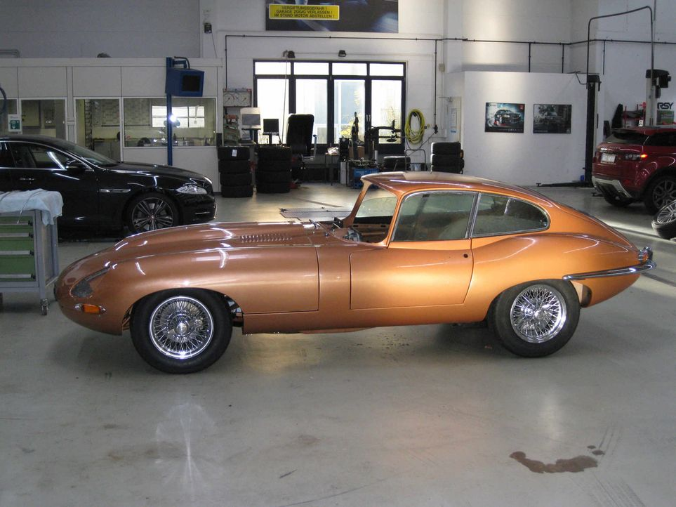 Die Raubkatze auf dem Sprung ins Ziel! Das große Finale der Jaguar E-Type-Umbauaktion! Der kultige Edel-Klassiker im Wert von über 70.000 Euro str... - Bildquelle: kabel eins